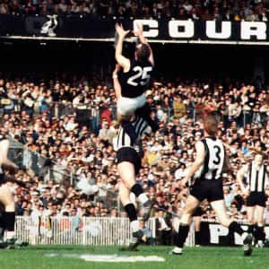 Jesaulenko-Grand-Final-MCG-1970_©Rennie-Ellis_v1_300.jpg