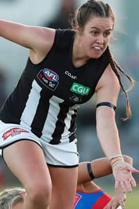 Caitlyn Edwards hunts the ball during Collingwood's win over the Western Bulldogs.