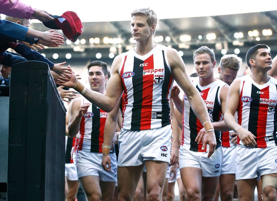 MELBOURNE, AUSTRALIA - AUGUST 20: Nick Riewoldt of the Saints thanks fans during the 2016 AFL Round 22 match between the Richmond Tigers and the St Kilda Saints at the Melbourne Cricket Ground on August 20, 2016 in Melbourne, Australia. (Photo by Adam Trafford/AFL Media)