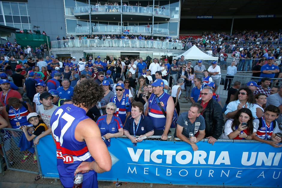 Will Minson of the Bulldogs speaks with fans after the 2015 NAB Challenge Week 1 match between the Western Bulldogs and the Richmond Tigers at Whitten Oval, Melbourne on February 28, 2015. (Photo: Darrian Traynor/AFL Media)