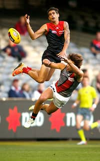 Jeff Garlett almost pulls in a spectacular mark