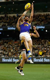 Josh Kennedy booted three goals as the Eagles won their ninth game for the season