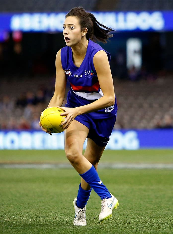 MELBOURNE, AUSTRALIA - AUGUST 16: Stephanie Chiocci of the Bulldogs in action during the 2015 AFL Womens match between the Western Bulldogs and the Melbourne Demons at Etihad Stadium, Melbourne, Australia on August 16, 2015. (Photo by Adam Trafford/AFL Media)