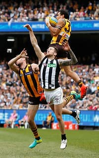 Cyril Rioli flies high for a trademark big game