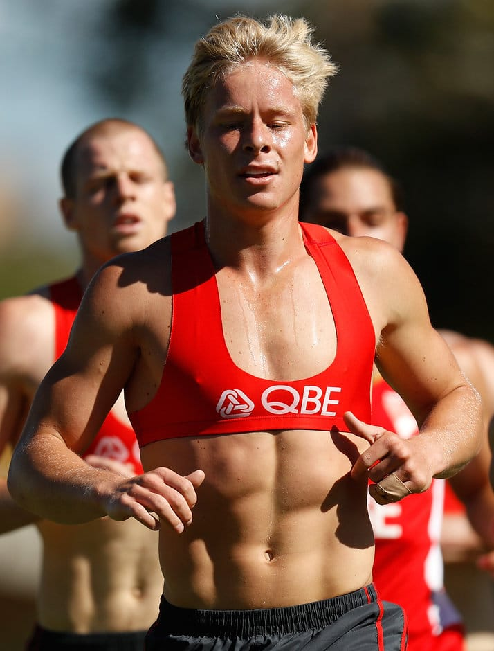 SYDNEY, AUSTRALIA - NOVEMBER 25: Isaac Heeney of the Swans in action during the Sydney Swans open training session at Lakeside Oval on November 25, 2016 in Sydney, Australia. (Photo by Michael Willson/AFL Media)
