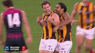 Smith strikes after fast Hawk hands