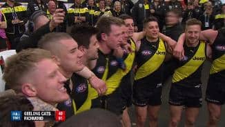 'Yellow and black' as they scream the song