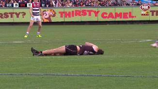Roberton collapses in worrying circumstances