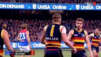 Highlights R19: Hughy snaps from the stoppage