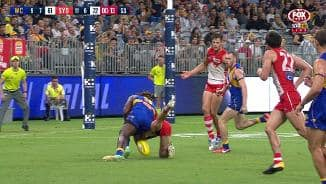 Nic Nat goes whack!