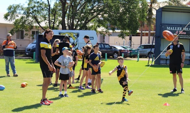 Richmond players held a kids' clinic during the Club's 2017 AFL Community Camp in Mildura.