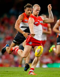 SYDNEY, AUSTRALIA - APRIL 22: Zak Jones of the Swans in action during the 2017 AFL round 05 match between the Sydney Swans and the GWS Giants at the Sydney Cricket Ground on April 22, 2017 in Sydney, Australia. (Photo by Michael Willson/AFL Media)