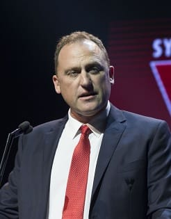 John Longmire addresses the room at the 2017 Club Champion Dinner.