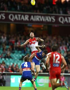 Lance Franklin rises high above the pack to take a strong mark against the Bulldogs.