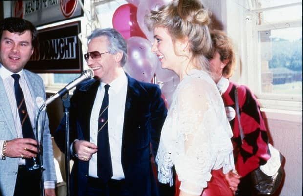 Edelstens with Pritchard 1986.jpg