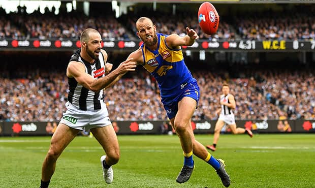 MELBOURNE, AUSTRALIA - SEPTEMBER 29: Will Schofield of the Eagles competes for a mark with Steele Sidebottom of the Magpies during the 2018 Toyota AFL Grand Final match between the West Coast Eagles and the Collingwood Magpies at the Melbourne Cricket Ground on September 29, 2018 in Melbourne, Australia. (Photo by Daniel Carson/AFL Media)