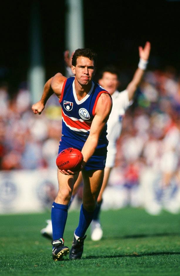 Steve Wallis played 261 games across a decorated 14 season career. (Photo: AFL Media) - Western Bulldogs