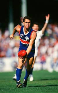 Steve Wallis played 261 games across a decorated 14 season career. (Photo: AFL Media) - Western Bulldogs