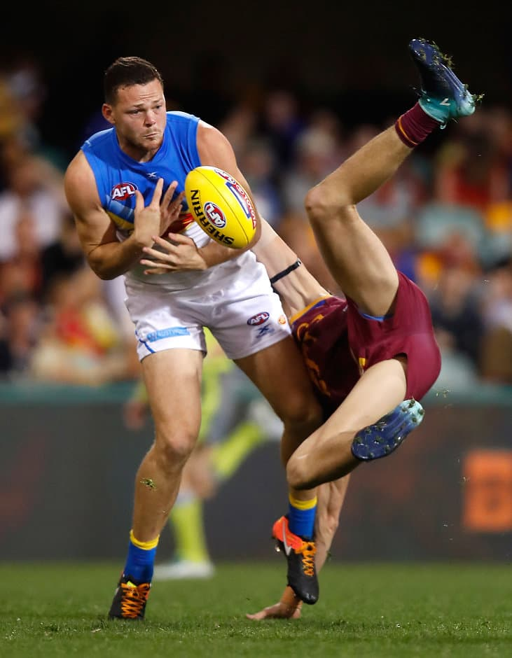 Steven May attempts to mark in front of Eric Hipwood - ${keywords}