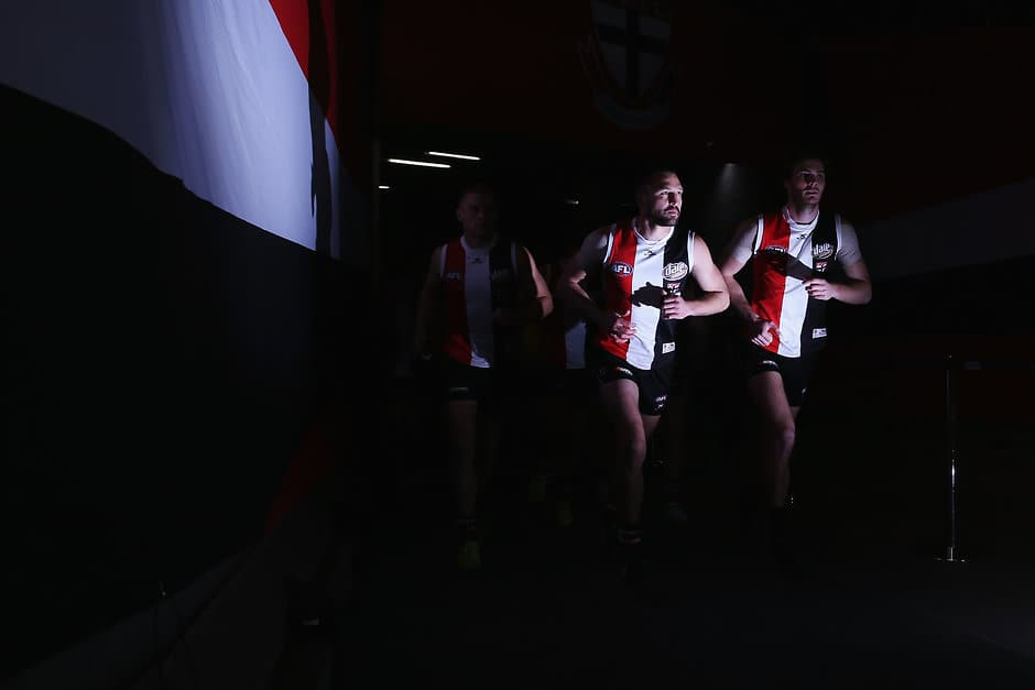 MELBOURNE, AUSTRALIA - AUGUST 20:  Jarryn Geary of the Saints leads the team out during the round 22 AFL match between the St Kilda Saints and the North Melbourne Kangaroos at Etihad Stadium on August 20, 2017 in Melbourne, Australia.  (Photo by Michael Dodge/Getty Images/AFL Media)