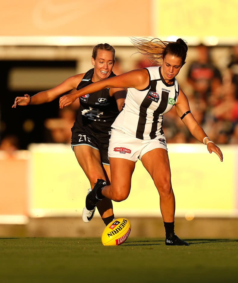Chloe Molloy in action against the Blues on Friday night - AFLW,Rising Star,Chloe Molloy,Rebecca Beeson,Collingwood Magpies,GWS Giants