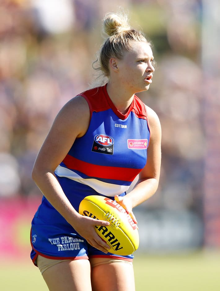 Daria Bannister will miss the remainder of the 2018 season after rupturing her ACL in Sunday's win over Fremantle. (Photo: AFL Media) - Western Bulldogs,AFLW,Daria Bannister