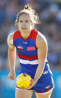 The injury curse that has ravaged the Western Bulldogs won't spell the end of 2018, says midfielder Emma Kearney. (Photo: AFL Media) - Western Bulldogs,AFLW,Emma Kearney