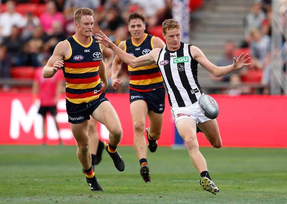 Will Hoskin-Elliott gets a kick away during the 2018 AFLX tournament in Adelaide - AFLX,AFL,Collingwood Magpies