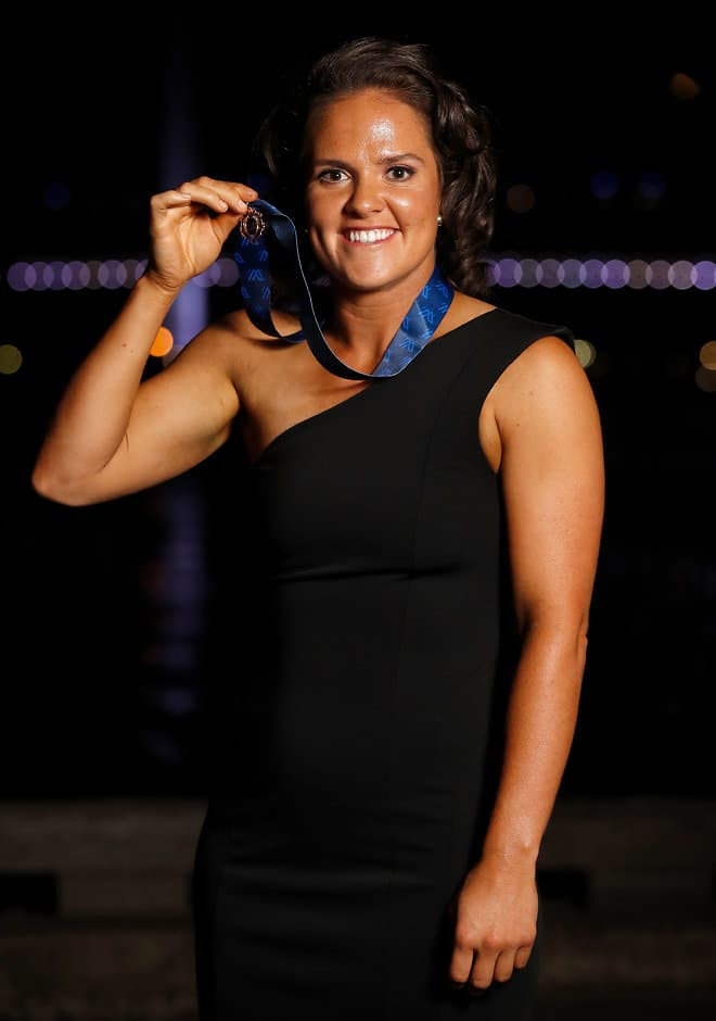 Emma Kearney is the AFLW's best and fairest player for 2018 - AFLW
