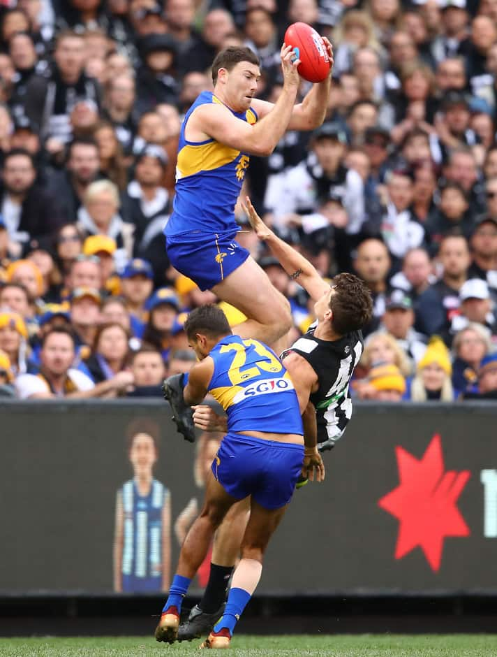 Jeremy McGovern took this soaring mark while battling broken ribs - AFL,West Coast Eagles,Jeremy McGovern