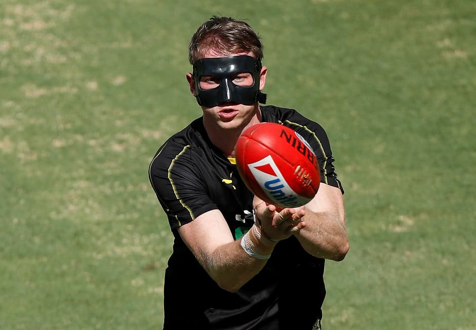 Dylan Grimes wears a face guard at training after breaking his nose - AFL,Adelaide Crows,Brisbane Lions,Carlton Blues,Collingwood Magpies,Essendon Bombers,Fremantle Dockers,Geelong Cats,Gold Coast Suns,GWS Giants,Hawthorn Hawks,Melbourne Demons,North Melbourne Kangaroos,Port Adelaide Power,Richmond Tigers,St Kilda Saints,Sydney Swans,West Coast Eagles,Western Bulldogs,News