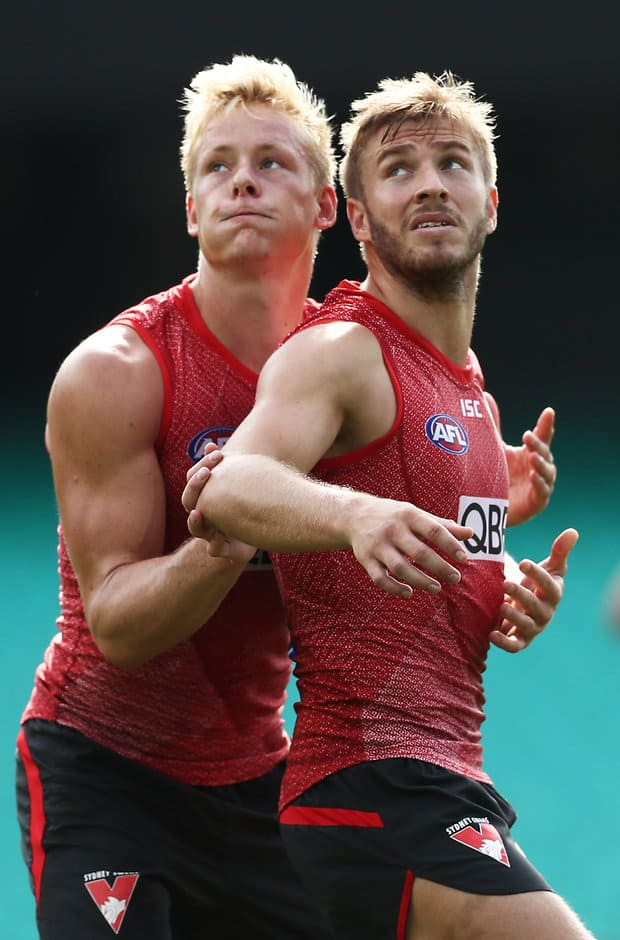 SYDNEY, AUSTRALIA - MARCH 19: Isaac Heeney (L) and Kieren Jack (R) compete during a Sydney Swans training session at the Sydney Cricket Ground on March 19, 2019 in Sydney, Australia. (Photo by Matt King/Getty Images)