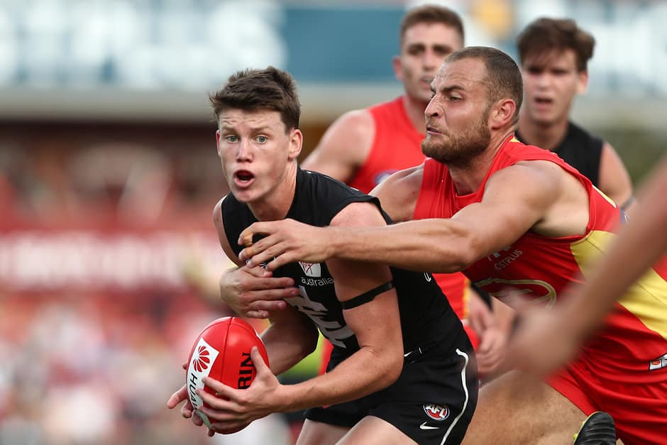 Rising star Sam Walsh in the thick of it during the Blues' clash with the Suns - AFL,Contracts,Carlton Blues,Sam Walsh,Exclusive,Tag-Exclusive