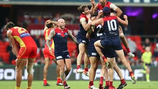 Last-second poster hands Dees remarkable win over Suns