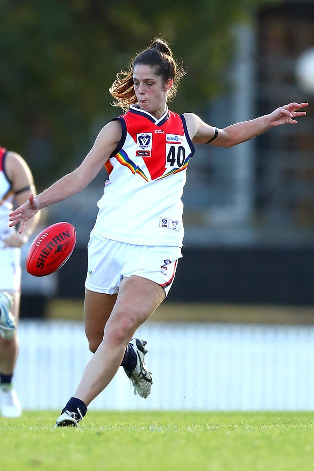 Lauren Pearce in action for Darebin in 2019 (Photo by Kelly Defina/AFL Photos/Getty Images)