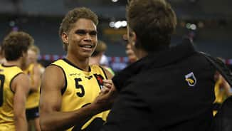 Freo moves up to No.8 after swaps with Dees, Crows